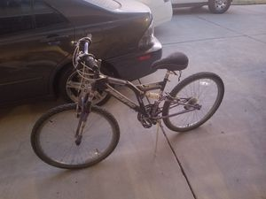 "26"" mountain bike 21 speed for Sale in Modesto, CA"