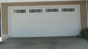 Garage door 16x7 white for Sale in Houston, TX