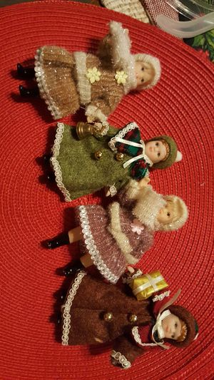 4 Vintage porcelain Christmas dolls all dressed in their best Christmas outfits for Sale in Chesnee, SC