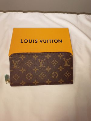 LV Zippy Wallet for Sale in Federal Way, WA