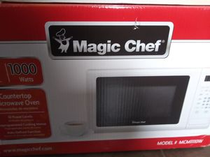 Microwave Magic Chef. Table top for Sale in Indianapolis, IN