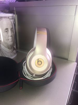 Beats by Dr. Dre Studio Wireless Headphone for Sale in Los Angeles, CA