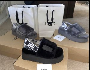 Ugg slides size 7 8 9 for Sale in Chicago Heights, IL