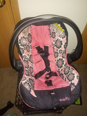 Car seat for Sale in Rogersville, MO