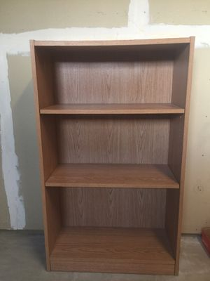 Brown Bookshelf with Adjustable Shelves for Sale in Cashmere, WA