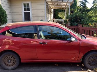 2005 Ford Focus ZX3 Hatchback for Sale in Black Diamond,  WA
