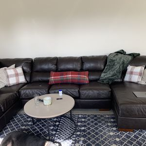 Big Sectional Couch! Great Condition! $500 Or Best Offer! for Sale in Phoenix, AZ