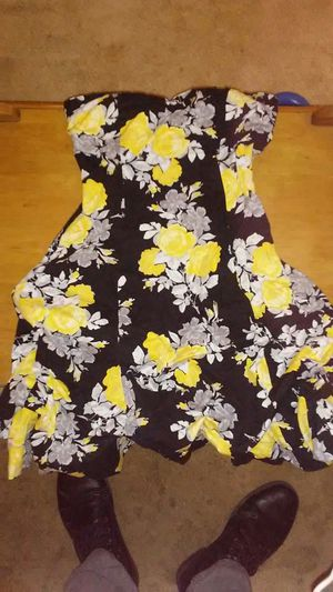 Yellow and black flower dress for Sale in Sunbury, OH