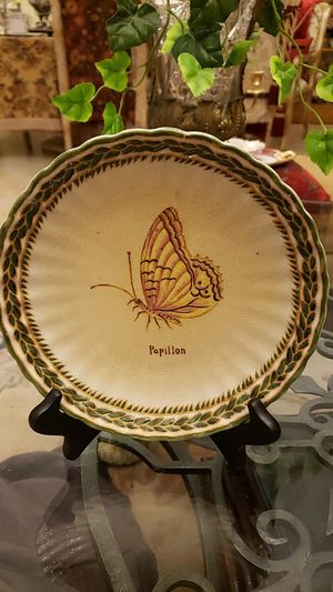 "Mark Roberts 9"" vintage plate for Sale in Boynton Beach, FL"