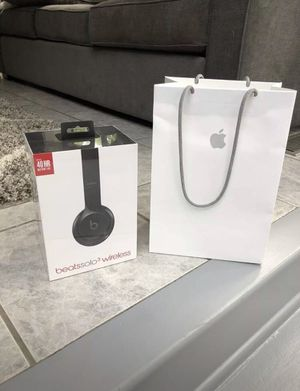 Beats Solo3 Wireless by dr Dre Bluetooth Black Headphones, BRAND NEW for Sale in Washington, DC