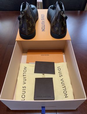 Louis Vuitton Line Up Sneaker. Mens Size LV 12/ USA 13 for Sale in Milwaukee, WI