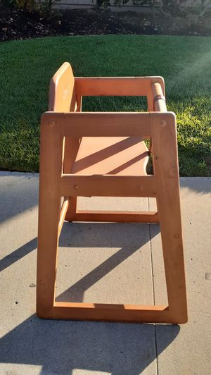 Kids hight chair. for Sale in San Diego, CA