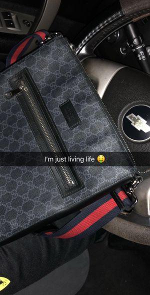 Gucci men messenger bag for Sale in Houston, TX