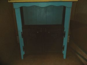 Medium cabinet shelf for Sale in Orlando, FL