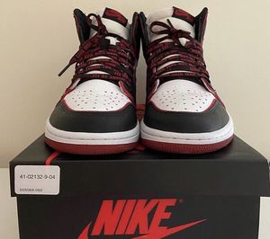 Jordan 1 blood line size 9 for Sale in Elk Grove, CA
