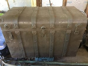 120 year old trunk for Sale in Bulger, PA