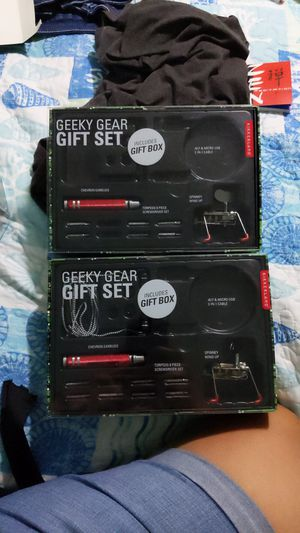Geely Gear Gift Set (2) for Sale in Pasadena, TX