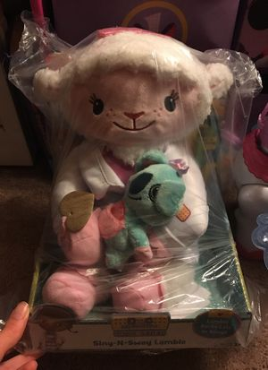 Sing n Sway Lambie doc mcstuffins for Sale in Miami, FL