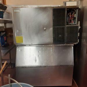 ICE maker machine for Sale in Miami Gardens, FL
