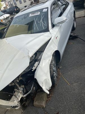 Audi A8 2013 (PARTS ONLY) for Sale in Paterson, NJ