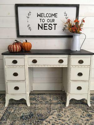 Vanity/ Desk for Sale in Eatonville, WA