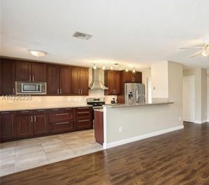 Kitchen Cabinets for Sale in FL, US