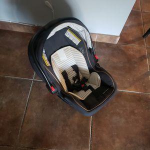 Car seat/stroller for Sale in Bakersfield, CA