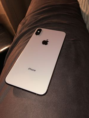 iPhone Xs Max 64gb Gold for Sale in Santa Ana, CA