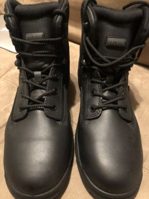 Magnum size 9 men's steel toe work shoes - brand new for Sale in Queens, NY