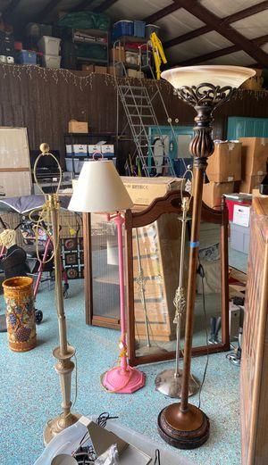 Floor Lamp for Sale in Beasley, TX