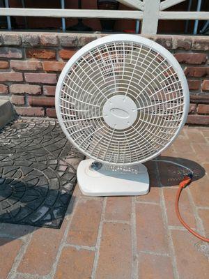 Fan 3 speed no oscillation 18 inch fan for Sale in Spring Valley, CA