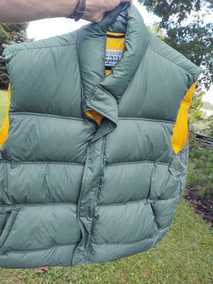 Northwoods XXL Green Down Vest for Sale in Fort Defiance, VA