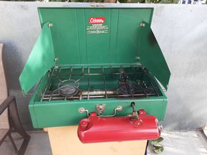 Vintage Coleman stove for Sale in Long Beach, CA