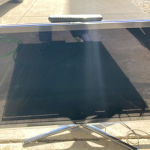 46 Inch's Samsung LCD TV With Internet Stick Perfect With Remote for Sale in Des Plaines, IL