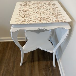 Accent Table for Sale in Noblesville, IN