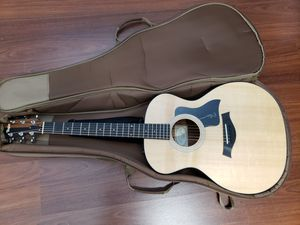 Taylor 114e (mint condition) for Sale in Las Vegas, NV