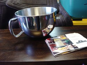 BRAND NEW COMMERCIAL GRADE 6 QUART KITCHEN AID MIXING BOWL for Sale in Byron, CA
