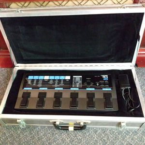 Boss ME-6 Guitar Multiple Effect board / with custom case and adapter for Sale in Tacoma, WA