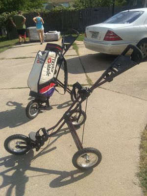 Sun mountain speed carts 1 Taylor made golf bag for Sale in Keller, TX