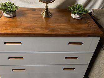 Super Heavy 3 Drawer Dresser for Sale in Clackamas,  OR