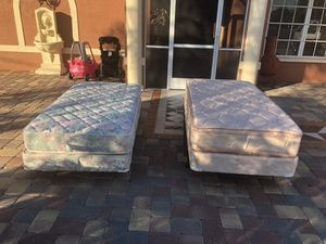 2 twins bed mattress and box springs frame for Sale in Fort Myers, FL