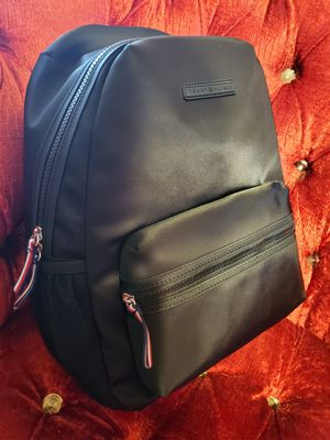 New black tommy backpack for Sale in Huntington Park, CA
