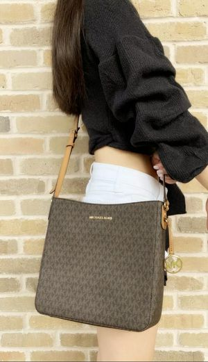 BEAUTIFUL GIFT! NEW WITH TAGS! MICHAEL KORS BROWN MESSENGER BAG! for Sale in Garland, TX