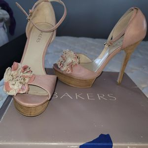Rose Baker Shoes For FREE for Sale in New Haven, CT