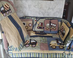 Crib Blanket and Bumper for Sale in Fort Lauderdale, FL
