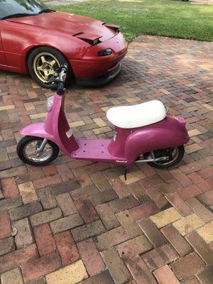 Razor sweet pea moped for Sale in Hialeah, FL