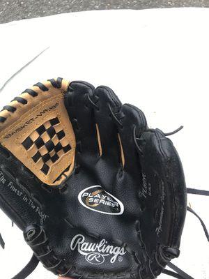Rawlings kids baseball glove for Sale in New Milford, CT