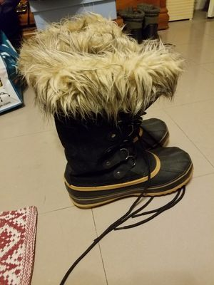 Khombu waterproof snow boots for Sale in Bronx, NY