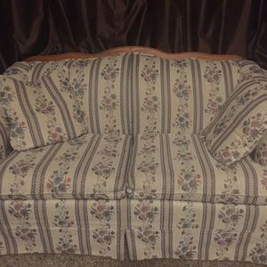 Broyhill Sofa Couch for Sale in Fraser, MI