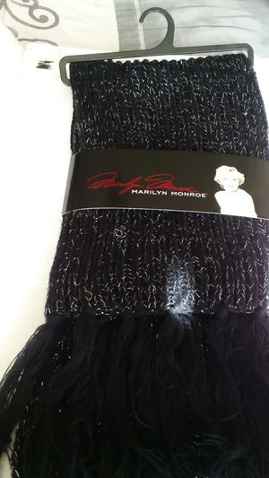 MARILYN MONROE BLACK AND SILVER KNIT FRINGED SCARF for Sale in Wilmington, DE